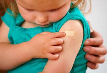 Parents urged to give children flu vaccine
