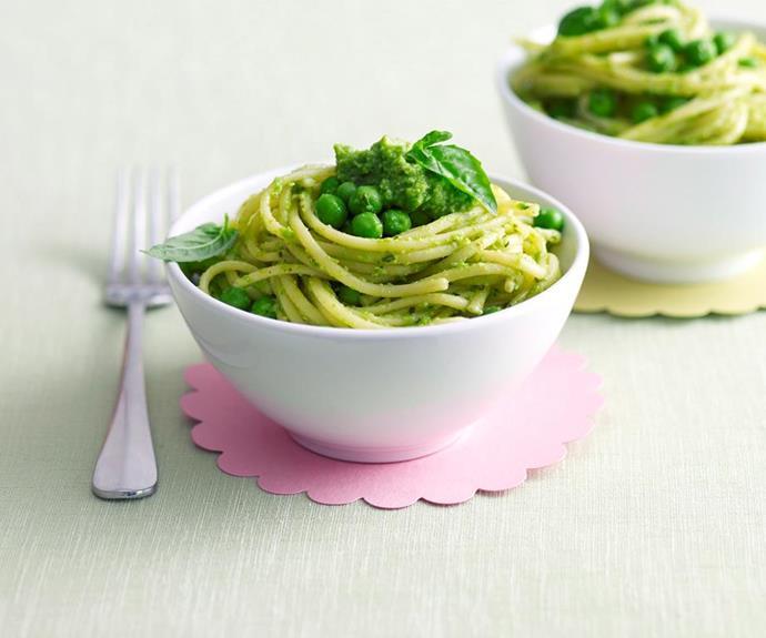 Spaghetti with pea pesto