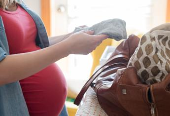 A complete hospital bag checklist for new mums