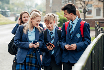 The advice parents need to read before giving their child a mobile phone