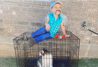 These kids dressed as Tiger King's Joe Exotic and Carole Baskin are isolation goals