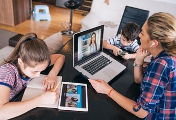 Experts advise students need to prioritise these 3 things during home online learning