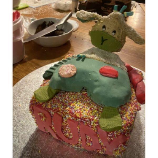 Hamish sheepy cake