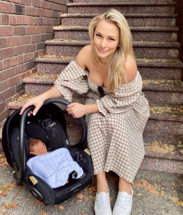 Anna Elle baby capsule