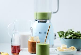 Start the day right with this delicious Green Breakfast Smoothie before school