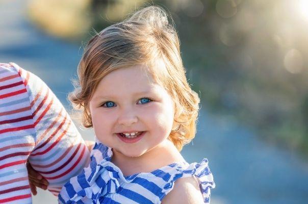 toddler girl blue eyes