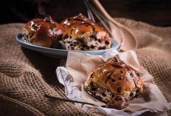 Hot cross bun hacks: 3 tantalising recipes you simply must try this Easter
