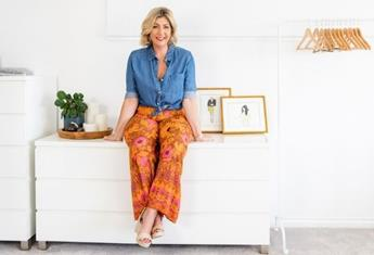 Meet the Aussie mum and social media star loved by women for her body positive fashion reviews