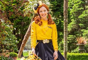 Yellow Wiggle Emma Watkins has announced she is hanging up her yellow skivvy for good